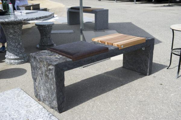 w4stone Sitzbank mit 2 verschiedenen Stitzflächen