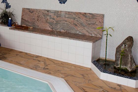 w4stone Pool innen Sitzbank Boden Fließen