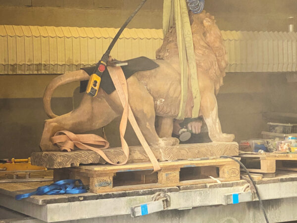 w4stone statue löwe restauration