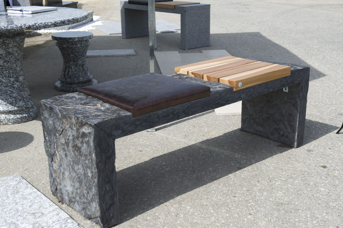 w4stone sitzbank mit zwei verschiedenne Sitzmöglichkeiten